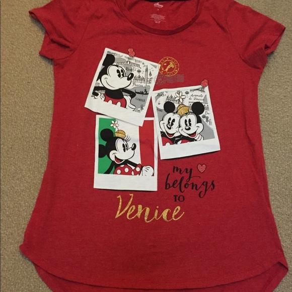 DISNEY Really Cute Minnie /& Mickey Red T-Shirt NWT